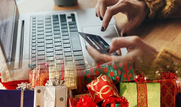 Christmas-shopping-online-fraud-present-gift-latest-1061132