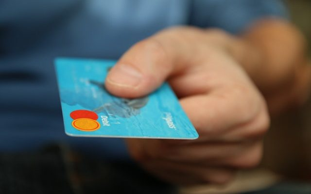 How do minimum payments work for credit cards?